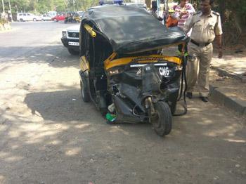 मुंबई-गोवा महामार्गावर अपघातांचे सत्र सुरूच; दोन अपघात, तीन ठार, १६ जखमी