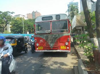 प्रजाच्या अहवालात गंभीर खल; विकासकामांपेक्षा मुंबईच्या नगरसेवकांंना होती रस्ते, चौक नामकरणाची चिंता