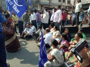 औरंगाबाद शहरात जमावबंदी लागू, दगडफेकीत 3 पोलीस जखमी; राज्यात पडसाद