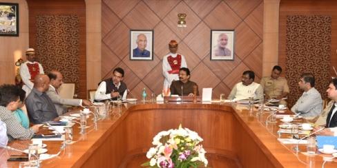 राज्य उत्पादन शुल्क विभागाने ट्रॅक अॅन्ड ट्रेस पद्धतीचा अवलंब करावा : मुख्यमंत्री