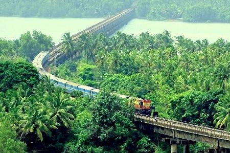मुंबईत ५० ठिकाणी प्रदूषण नियंत्रण यंत्रणा बसविणार : पर्यावरणमंत्री