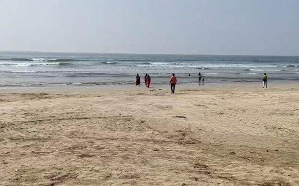 आंजर्ले समुद्रात सहा जण बुडाले; तिघांचा मृत्यू