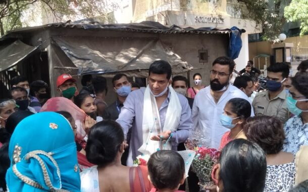 'Minister at your doorstep' campaign by Aslam Shaikh