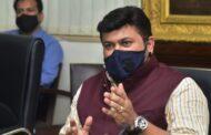 चक्रीवादळामुळे सिंधुदुर्ग जिल्ह्यात वैयक्तिक व सार्वजनिक मालमत्तेचे मोठे नुकसान – पालकमंत्री उदय सामंत